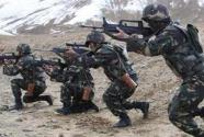 新疆军区某师革新器材破解乘车射击难题