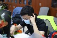 武漢市直機關黨員亮身份做表率 在疫情防控一線守初心踐使命